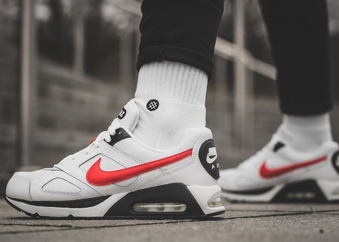 Nike Air Max IVO GS (579995-101)